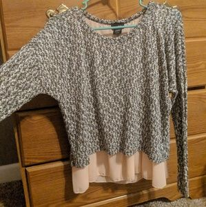 Sweater with pink underlaying